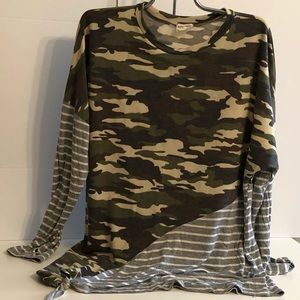 Lovely Melody L Mixed Patterned Camo/Stripe Top